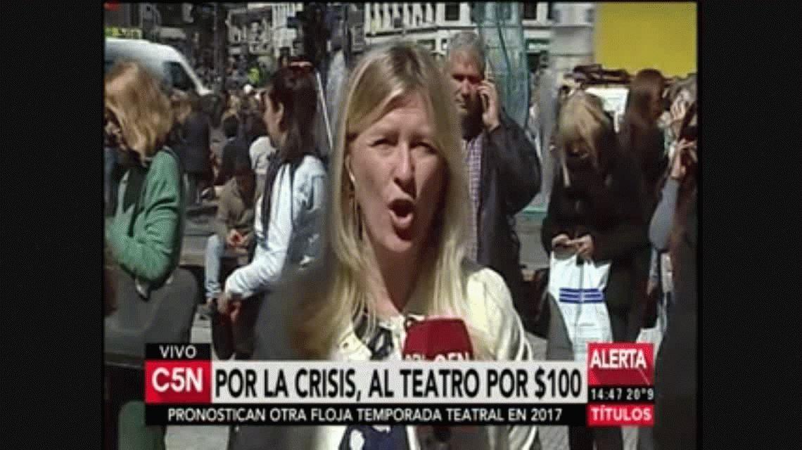 La crisis llegó a los teatros: largas colas para conseguir boletos a $100 pesos