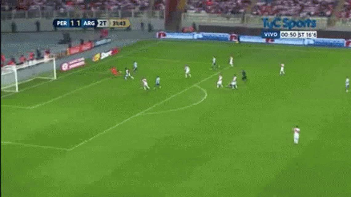 Gonzalo Higuaín marcó el segundo gol de Argentina ante Perú en Lima por Eliminatorias.