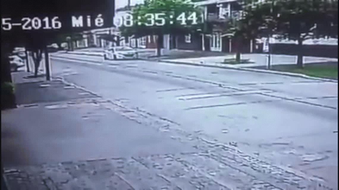 VIDEO: Dos violentos robos en la misma esquina de Mataderos