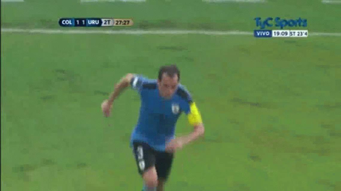 El golazo de Luis Suárez para Uruguay ante Colombia en Barranquilla por eliminatorias