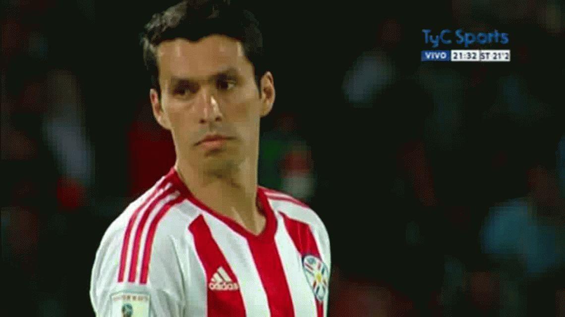 Justo Villar le contuvo un penal a Sergio Agüero