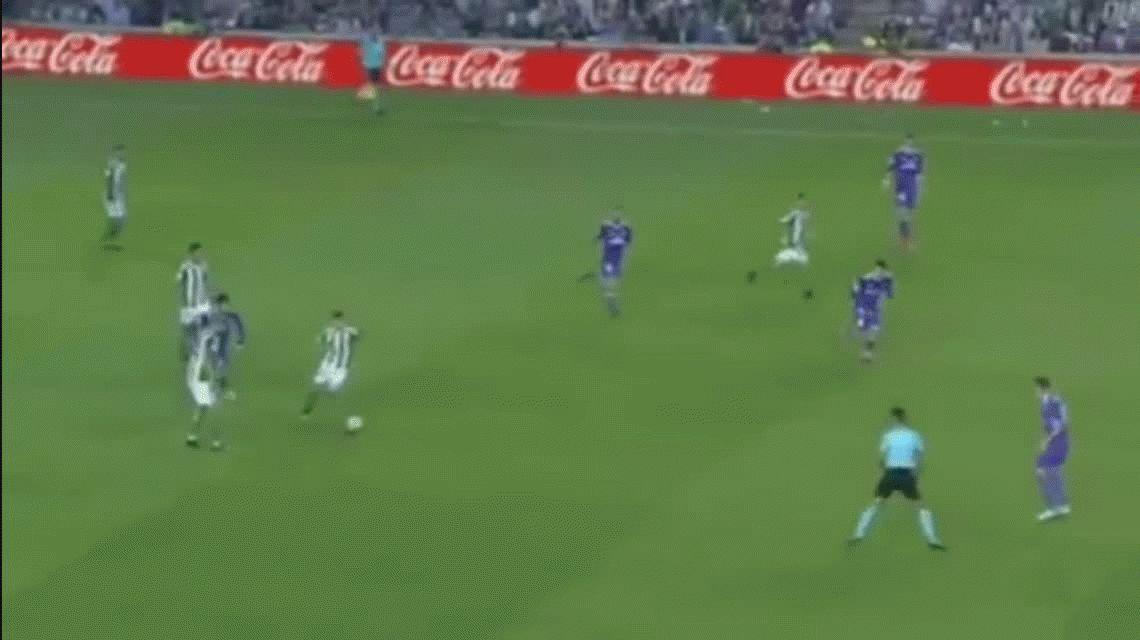 Karim Benzema anotó el segundo gol del Real Madrid ante el Betis