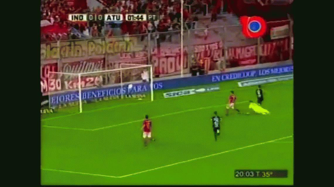 El gol de Zampedri para poner arriba a Atlético Tucumán sobre Independiente en Avellaneda