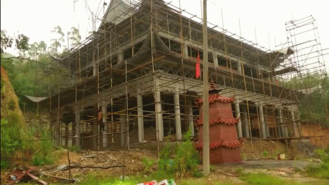 Abdominales de cemento: el albañil chino que hace crossfit en el trabajo