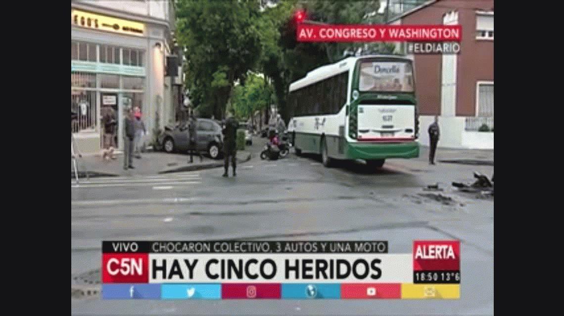 Múltiple choque en Villa Urquiza. Video de C5N.
