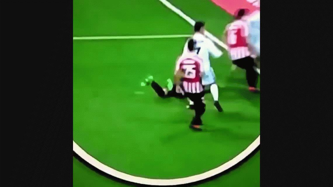 Insólito: su compañero hizo un gol y CR7 ¿pidió que le cobren offside?