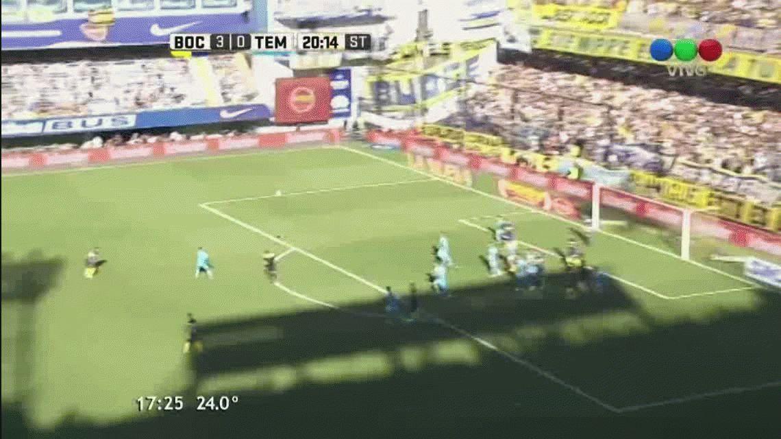 Walter Bou anotó el cuarto gol de Boca ante TEmperley en la Bombonera