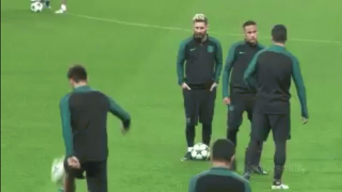 VIDEO: Luis Suárez le hizo una broma a Neymar en la práctica