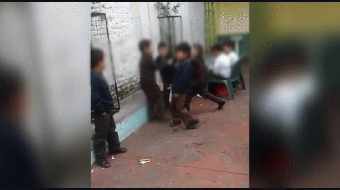 Indignación por la pelea de alumnos de primaria durante un recreo en una escuela de Sarandí.