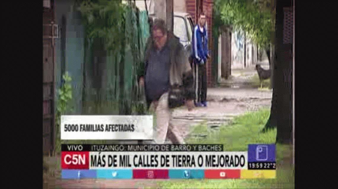 Barro y baches: Ituzaingó, la ciudad donde caminar se vuelve un problema