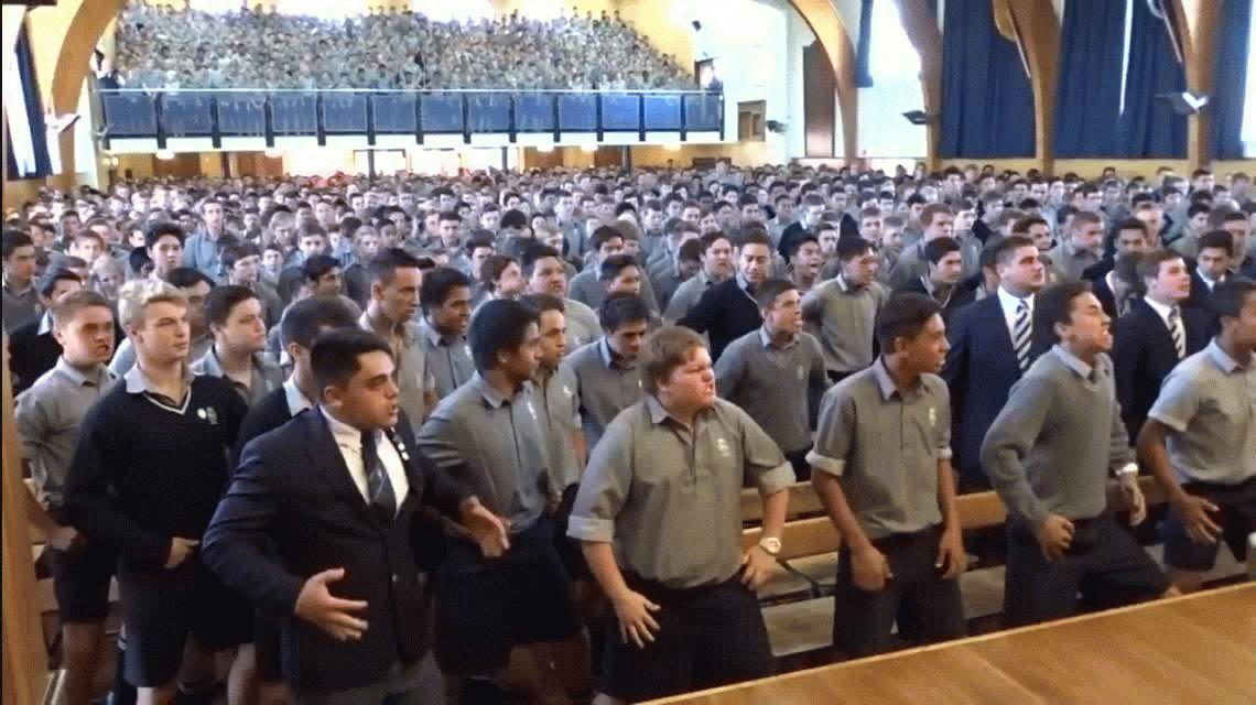El temible haka que hacen alumnos de una escuela en Nueva Zelanda