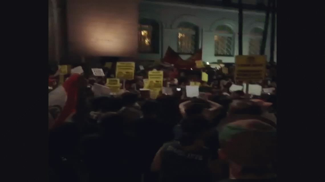 {altText(#TrumpProtest Los Angeles,Con el lema