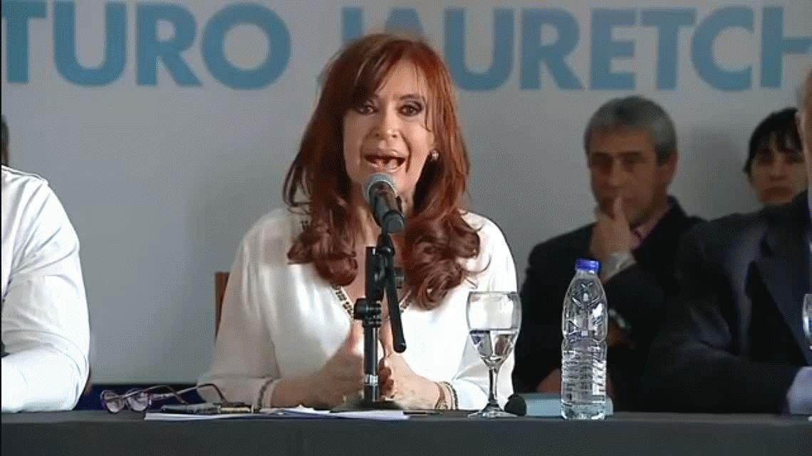 Cristina Kirchner: Estados Unidos buscó a alguien que rompiera con el establishment económico