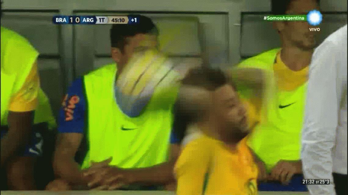 Neymar anotó el segundo gol de Brasil ante Argentina en Belo Horizonte por las Eliminatorias