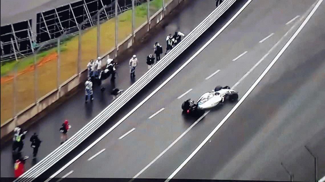 VIDEO: El brasileño Felipe Massa chocó en su tierra natal y dejó la carrera entre lágrimas