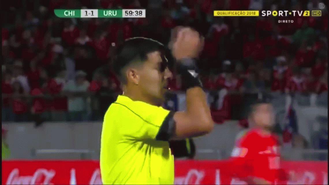 Alexis Sánchez anotó el segundo de Chile para darlo vuelta ante Uruguay en Santiago por Eliminatorias