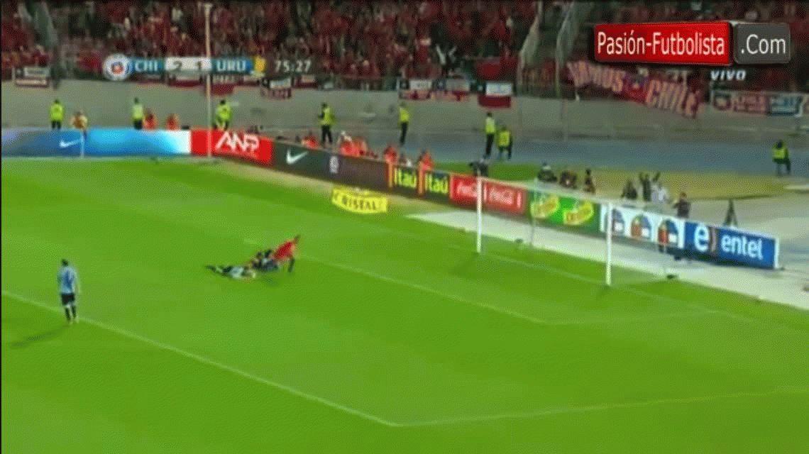 El segundo gol de Alexis Sánchez ante Uruguay