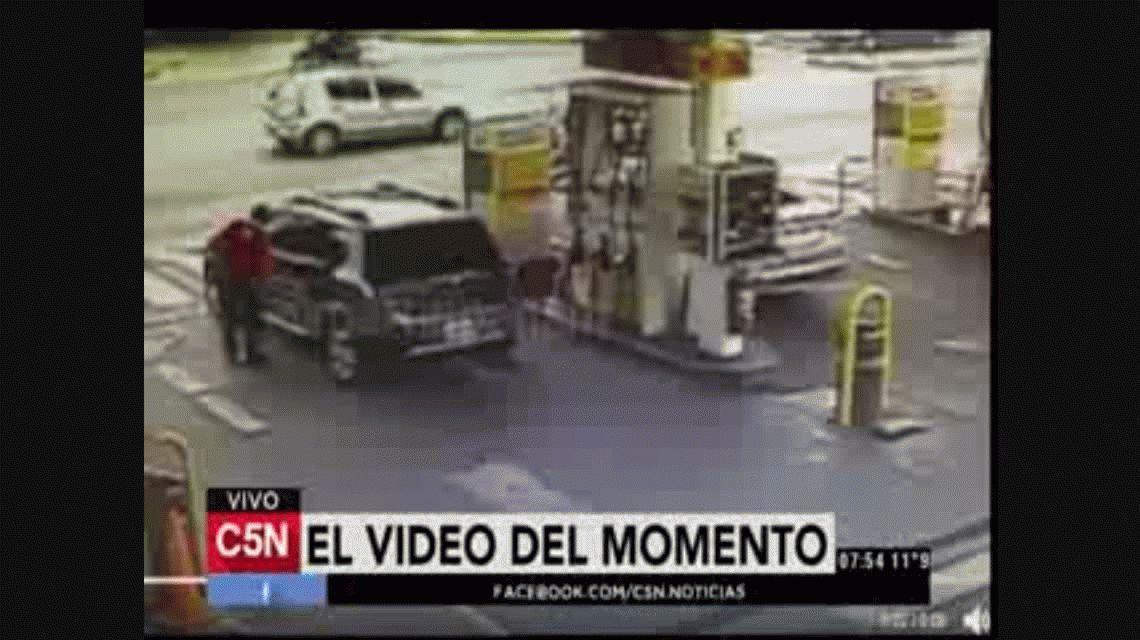 Atropelló a un oficial de tránsito y lo arrastró por cinco cuadras