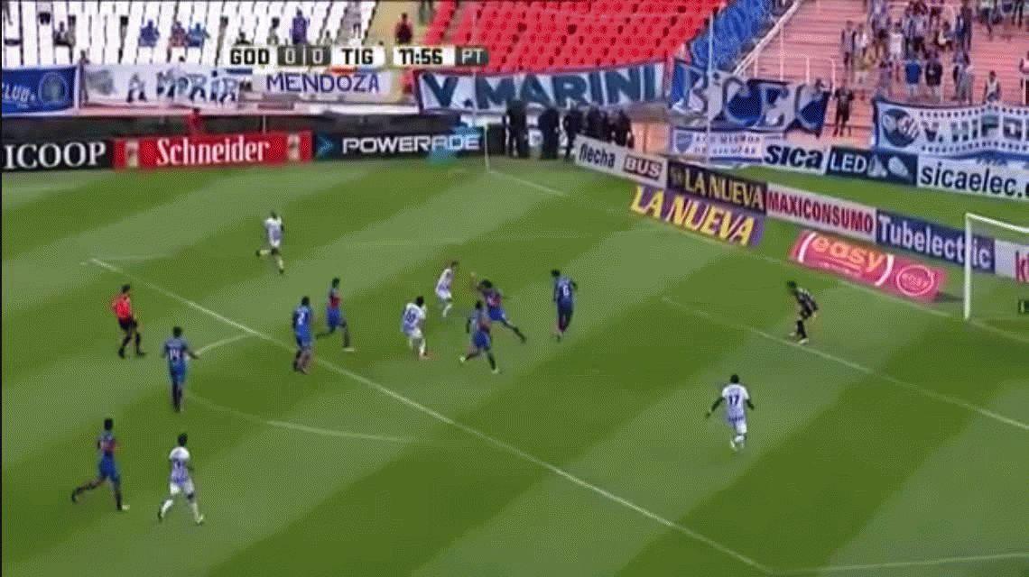 Arnaldo González marcó el primer gol de Godoy Cruz ante Tigre