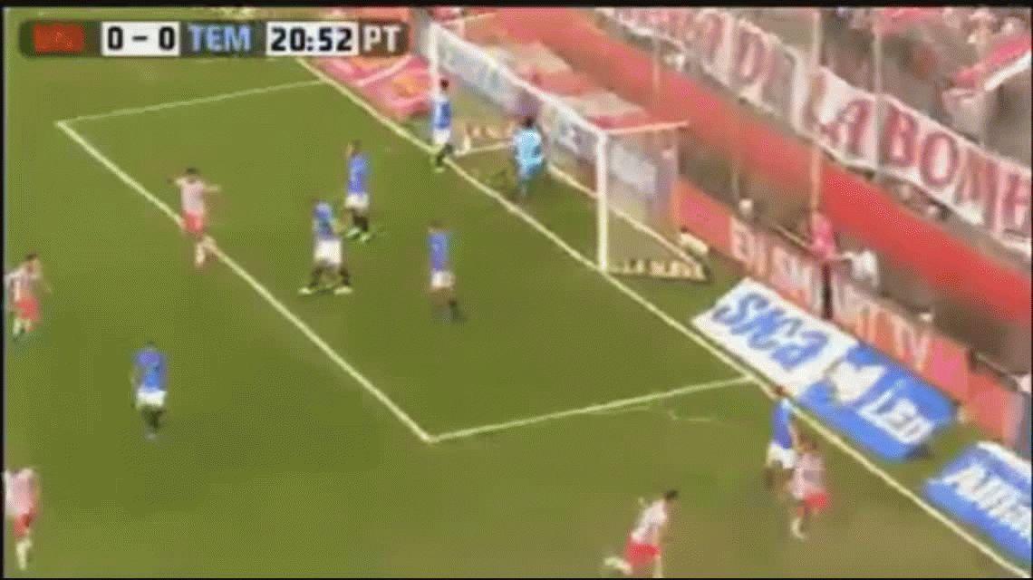 Franco Soldano marcó el primer gol de Unión ante Temperley