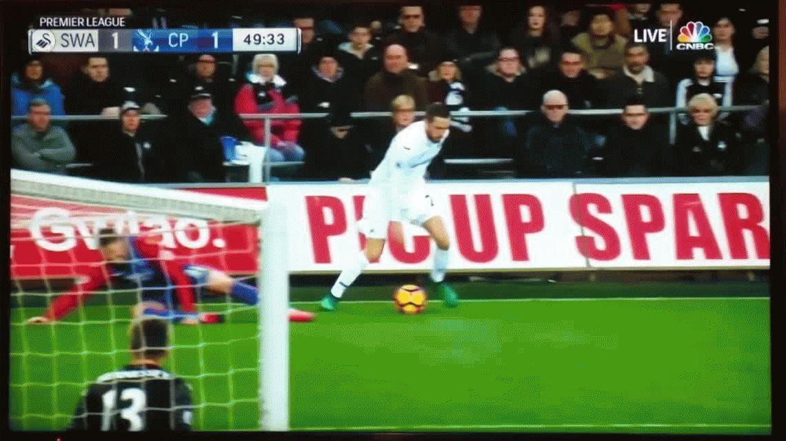 Impresionante lesión de Connor Wickham en la Premier League