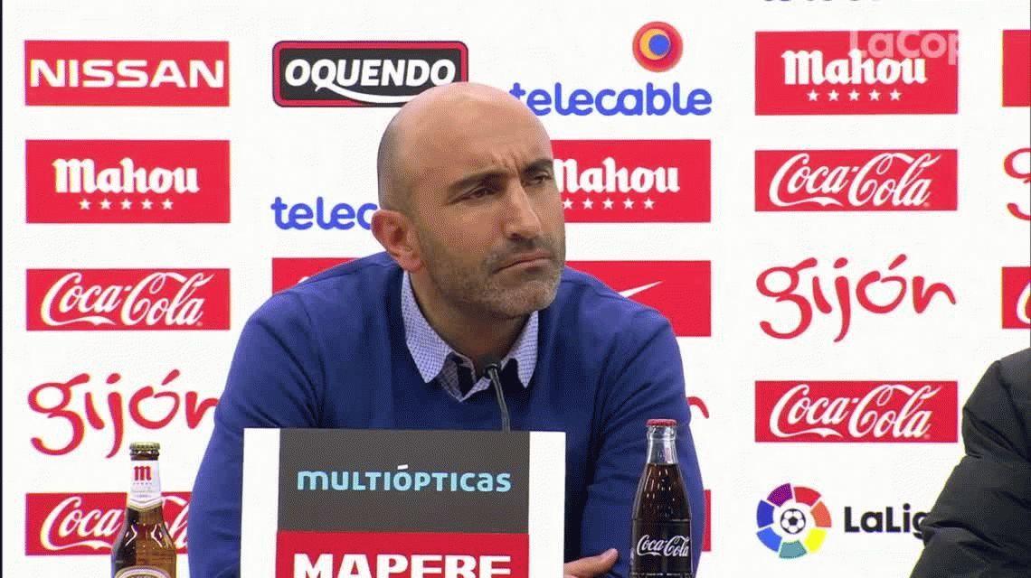 Está para la Selección argentina: el DT de Sporting Gijón se sacó con un periodista