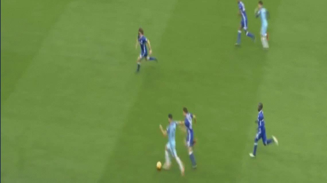 Agüero perdió los estribos ante Chelsea, pegó un patadón y se fue expulsado