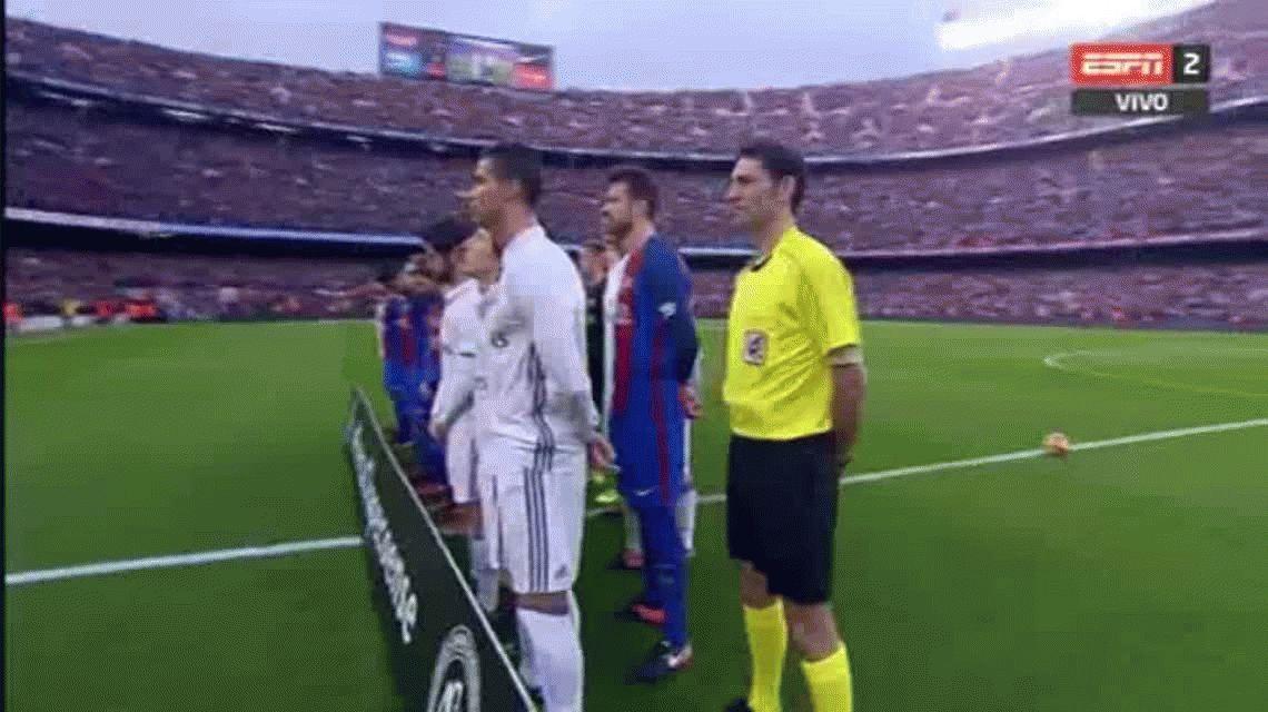 Chapecoense: el minuto de silencio en el Camp Nou antes del clásico español