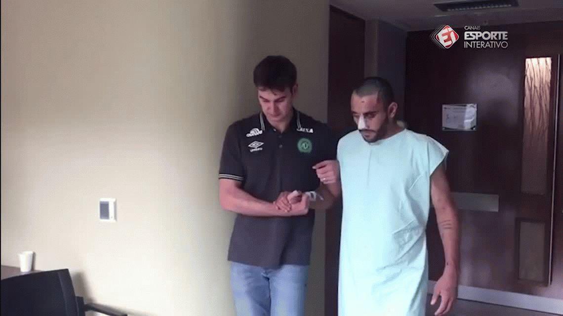 Chapecoense: uno de los futbolistas sobrevivientes mostró su recuperación