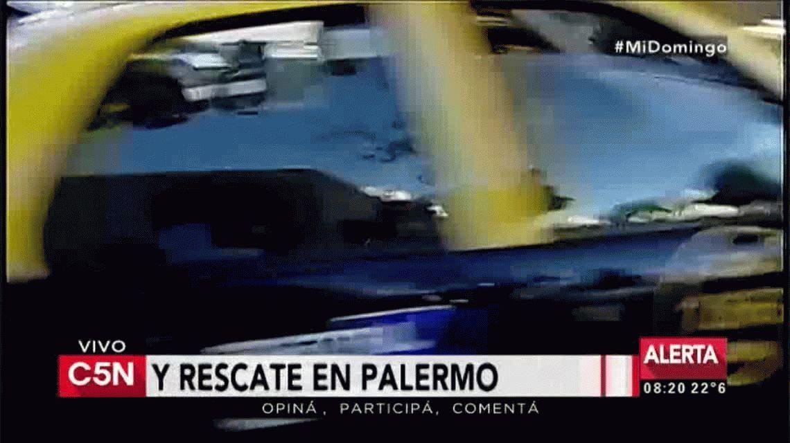 Cruzó en rojo y chocó de frente en Palermo: hay tres heridos