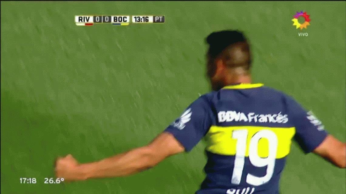 Mirá el impresionante gol de Tevez en el triunfo a Boca en Núñez