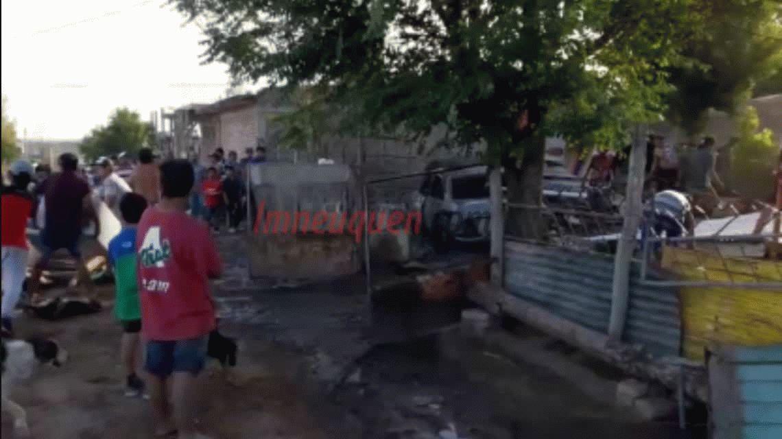 VIDEO: Todo un barrio se unió para echar a una familia de ladrones en Neuquén