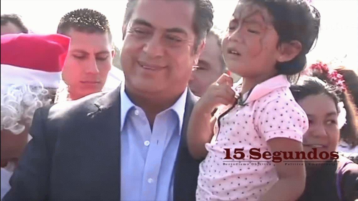 Un gobernador mexicano reveló la verdadera identidad de Papá Noel a unos chicos