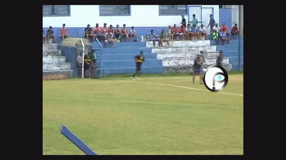 VIDEO: Un árbitro dirigió borracho un partido y lo detuvieron