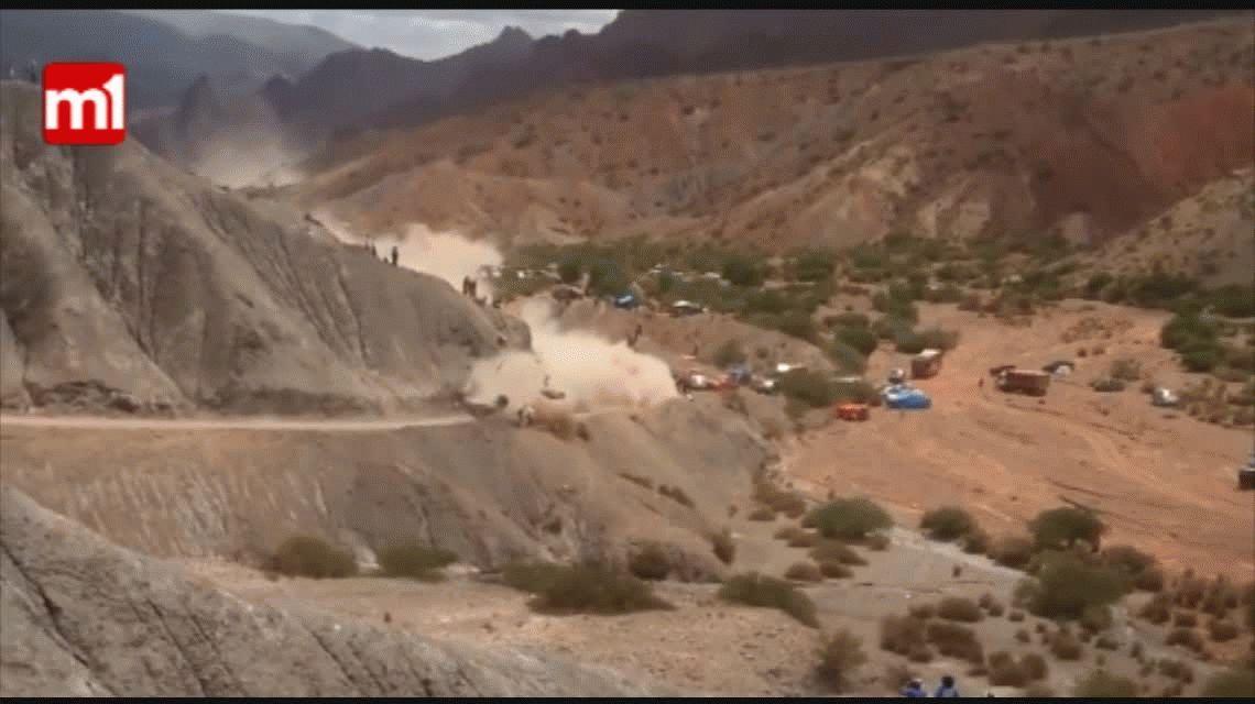 VIDEO: el vuelco de Carlos Sainz que lo dejó afuera del Dakar