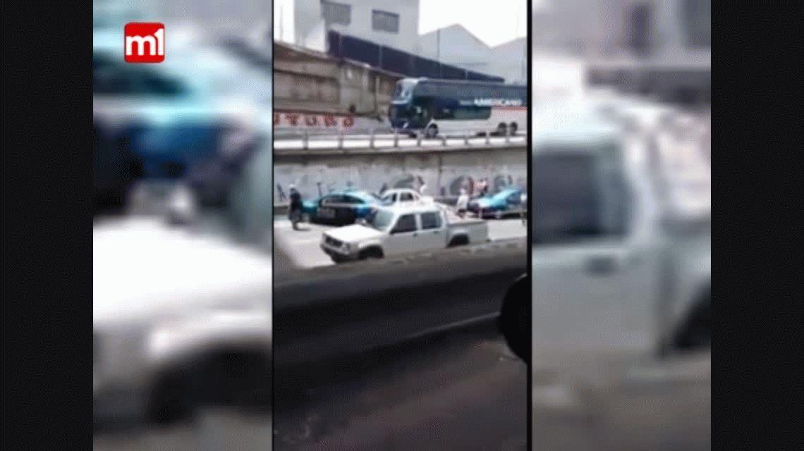 Tiroteo en autopista Perito Moreno entre policías y delincuentes