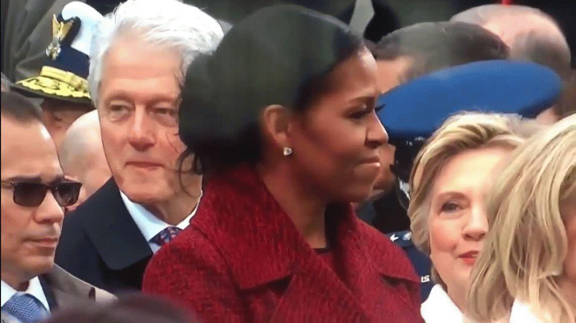 El viral de la asunción de Trump: Clinton ¿mira a Ivanka? y Hillary se lo come con los ojos