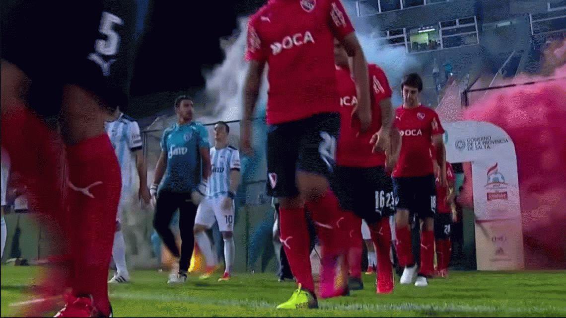 Holan debutó en el Rojo con un opaco empate sin goles frente a Atlético Tucumán