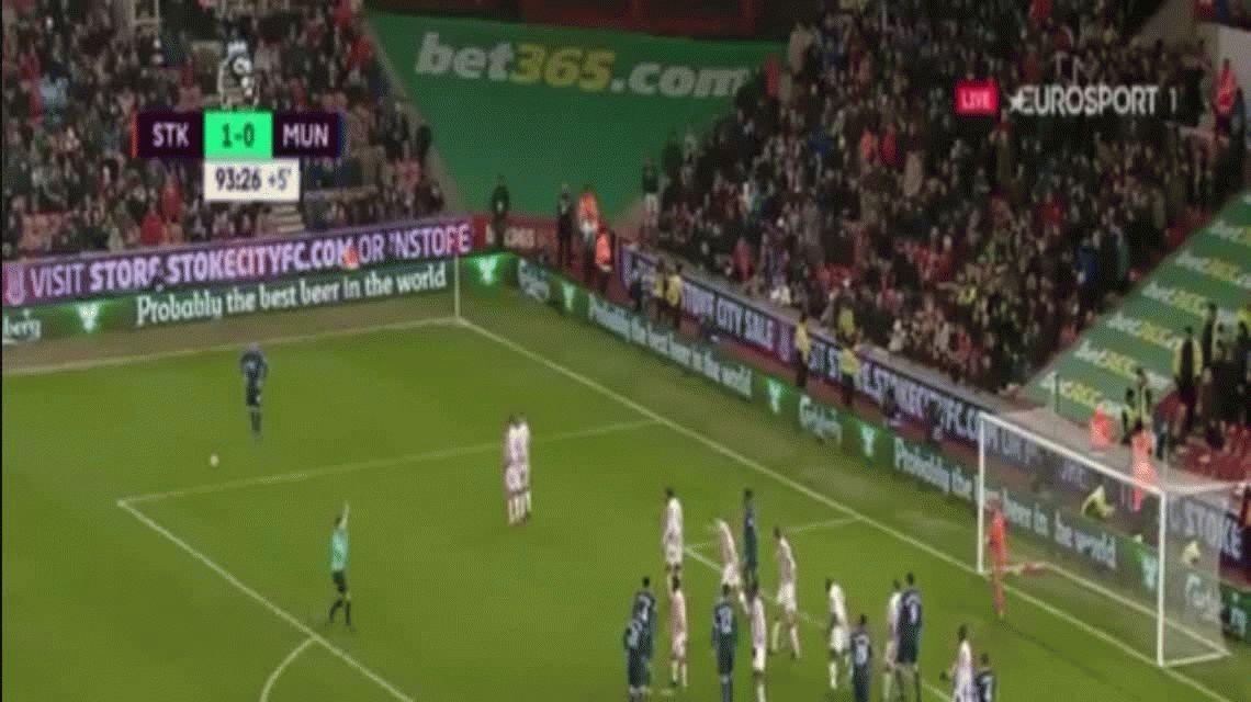 Con este golazo, Rooney se convirtió en el máximo goleador del Manchester United