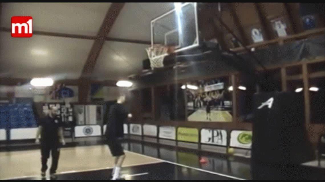 El gigante rumano que se prepara para la NBA: mide 2.31 metros