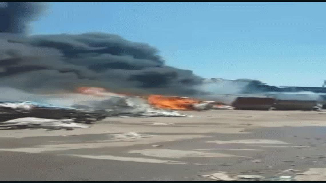 VIDEO: Así se incendió una planta del Ceamse en San Martín