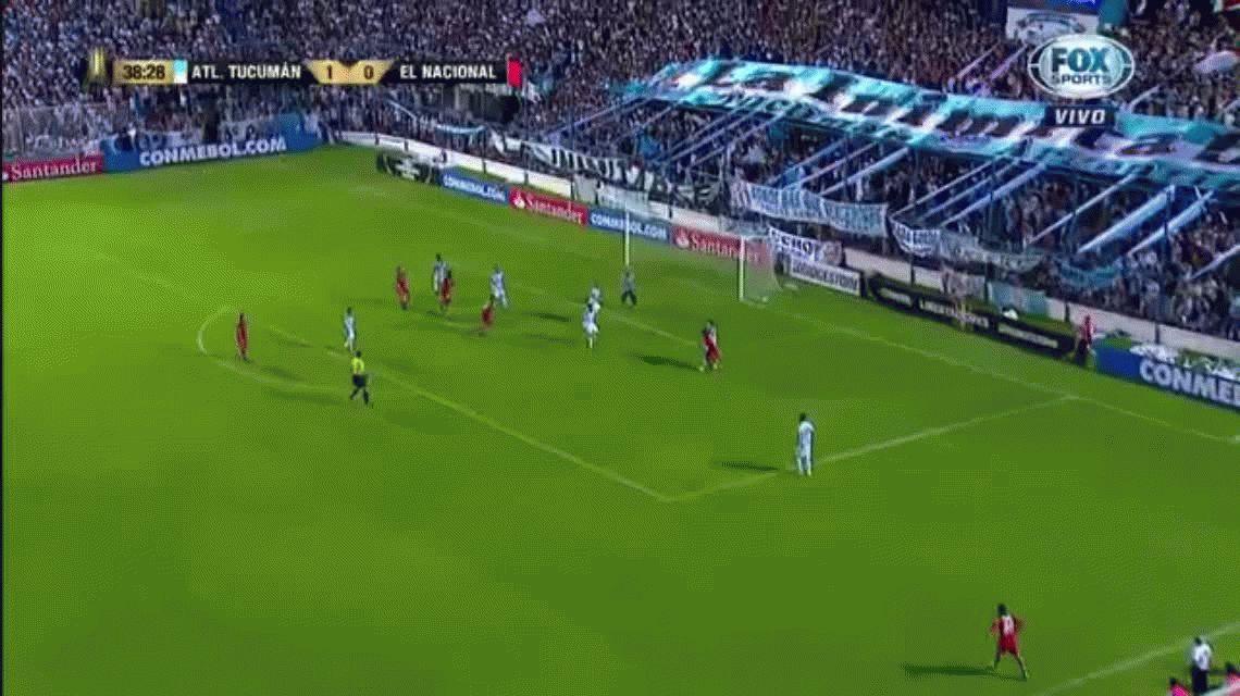 Lateral al área, Lucchetti salió mal y le empataron a Atlético Tucumán