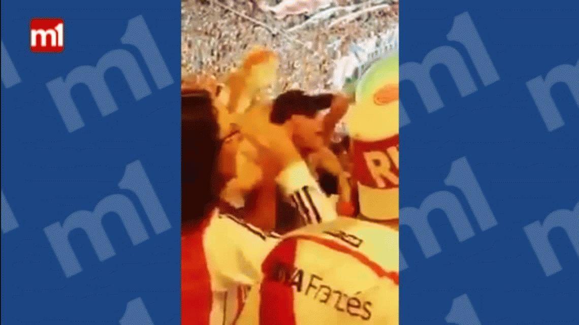 VIDEO: Graban a Lunati en la tribuna de River cantando contra Boca
