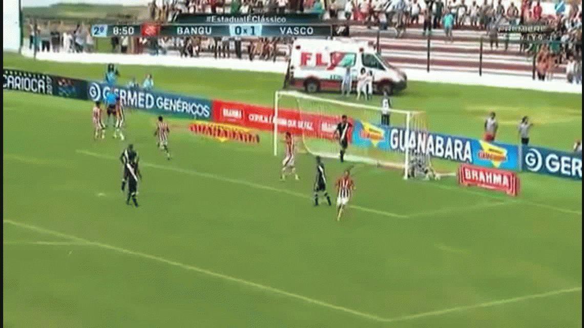 VIDEO: A los 40 años, el Loco Abreu anotó su gol número 400