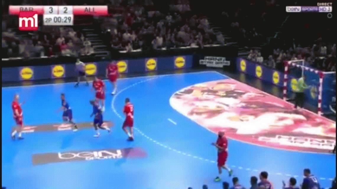 No vas a poder creer lo que hizo Gregory Anquetil en un penal en handball