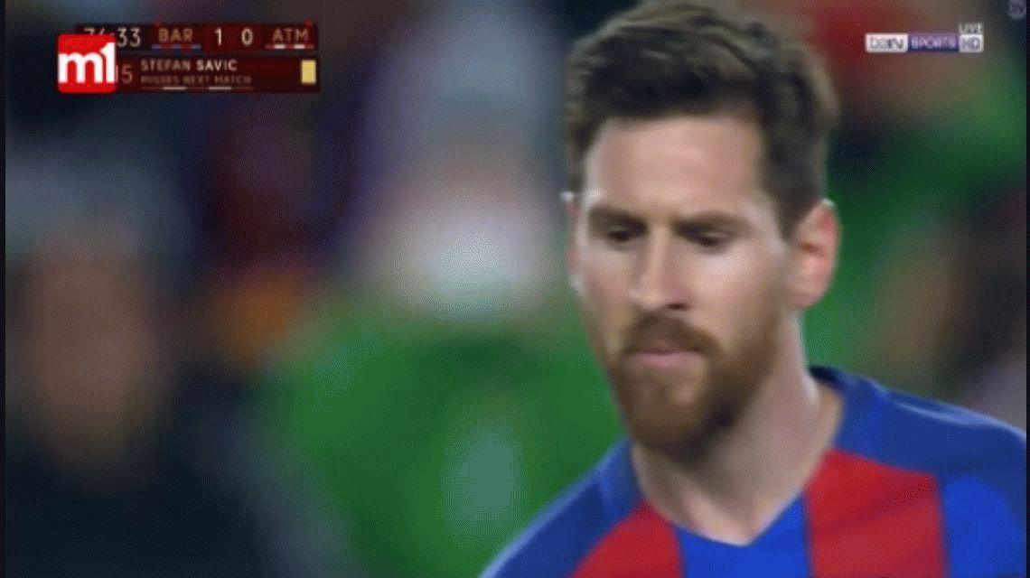 VIDEO: Por un centímetro, Messi no metió su mejor gol de tiro libre