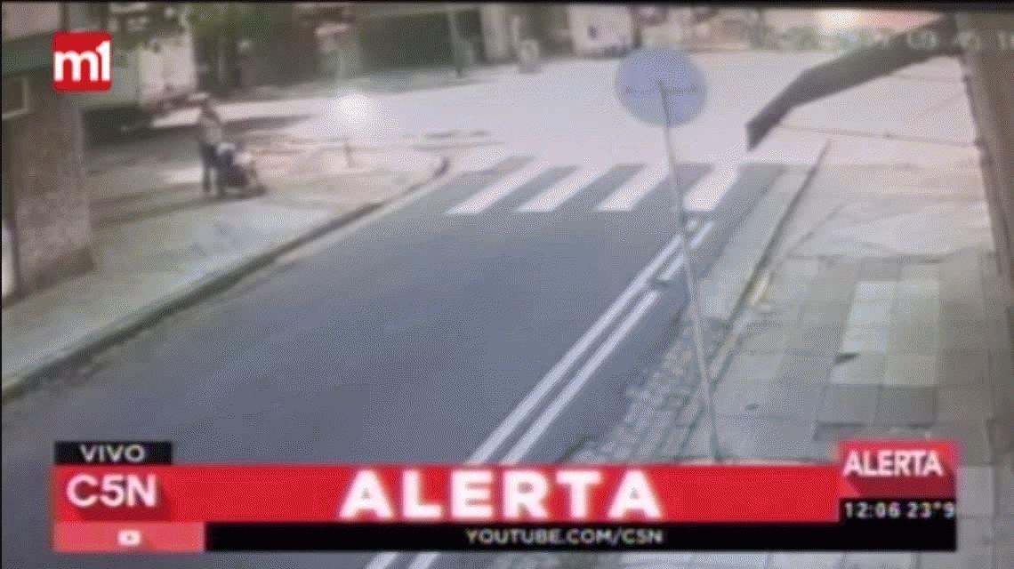 Una mujer y su bebé fueron atropellados en Caballito