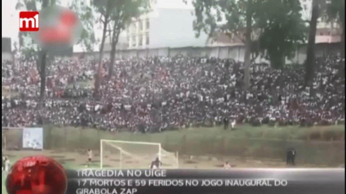 Tragedia en el fútbol: 17 muertos en una avalancha humana