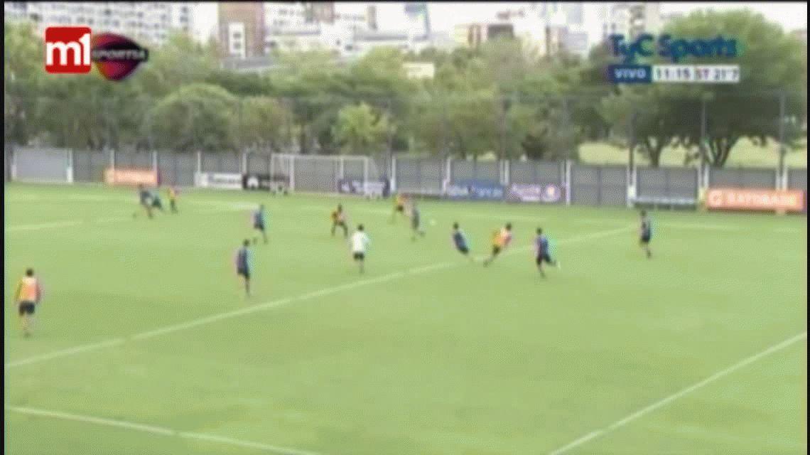 Juan Insaurralde y Jonathan Silva, a las piñas en la práctica de Boca