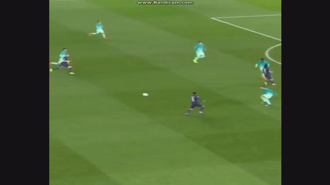 PSG aplastó al Barcelona con dos goles de Di María y lo dejó casi afuera